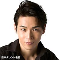 白川裕二郎(純烈メンバー)の高校や力士や筋肉、結婚やハリケンジャーが気になる!