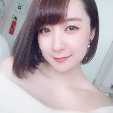 紺野栞(こんのしおり/グラビア)のママと広告とは?画像や彼氏や結婚が気になる!